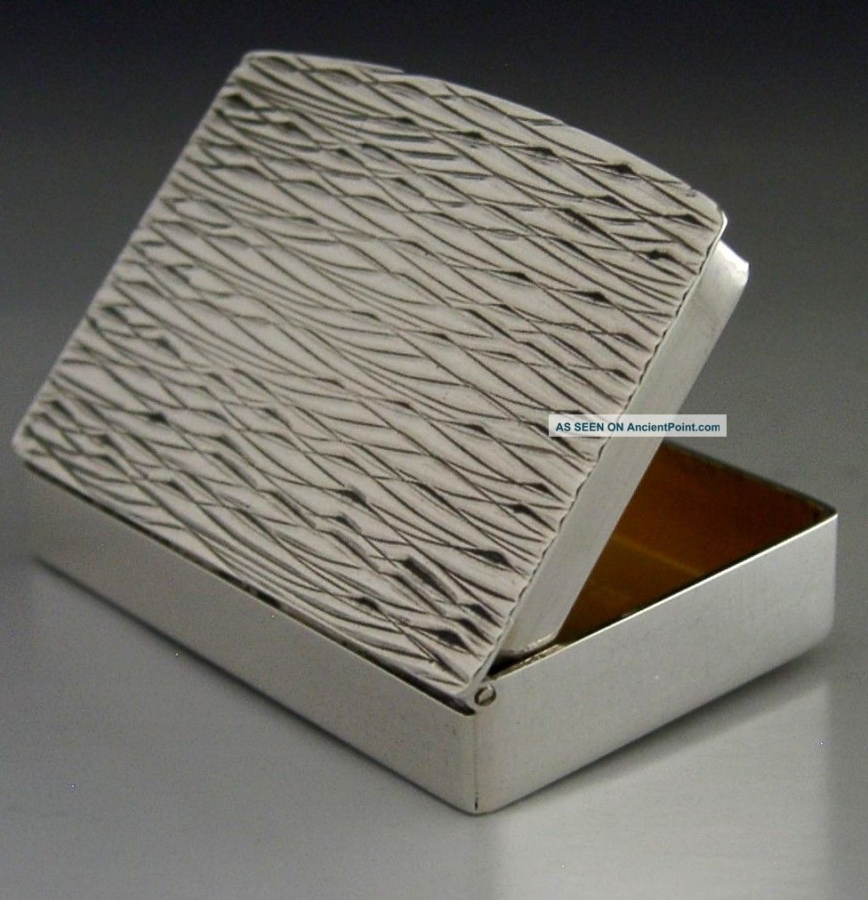 Stylish Modernist Sterling Silver Pill Snuff Box London 1969 Boxes photo