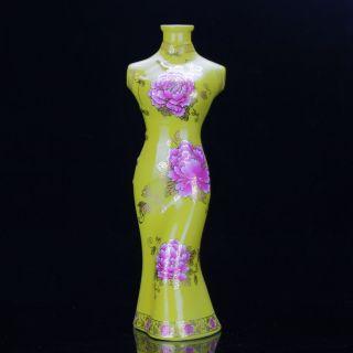 Chinese Famille Rose Porcelain Hand - Painted Flower Cheongsam Shape Vase D93 photo