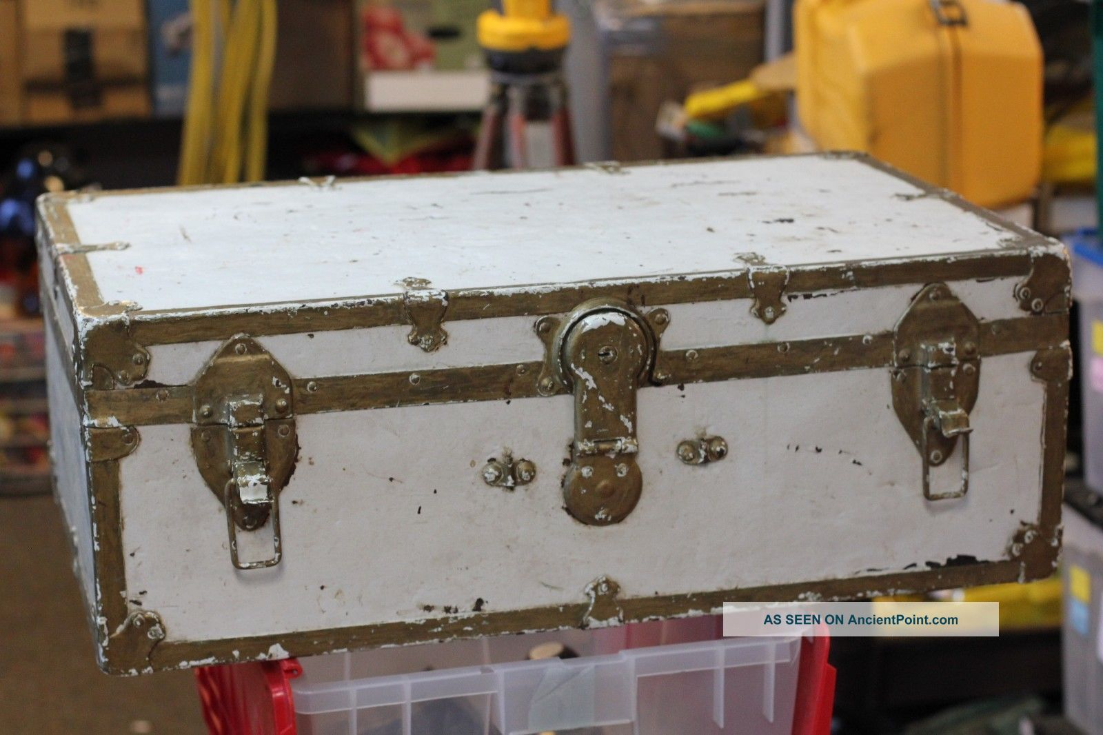 Vintage Steamer Trunk Train Luggage Chest Old Coffee Table Antique Storage 1900-1950 photo
