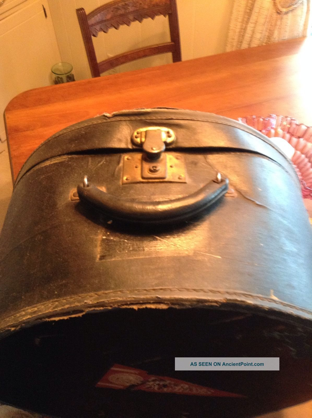 Antique Vintage Round Black Leather/vinyl Hat Box /train Case With Key 1900-1950 photo