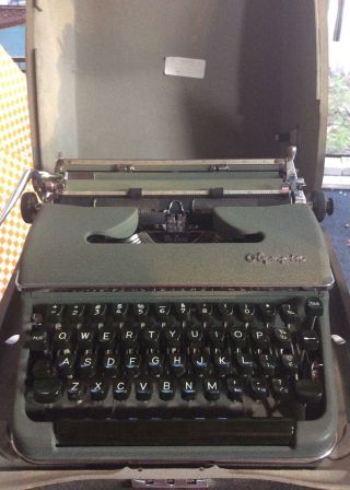 Vintage Olympia Deluxe Typewriter 1950 ' S Sm3 Made In W.  Germany photo