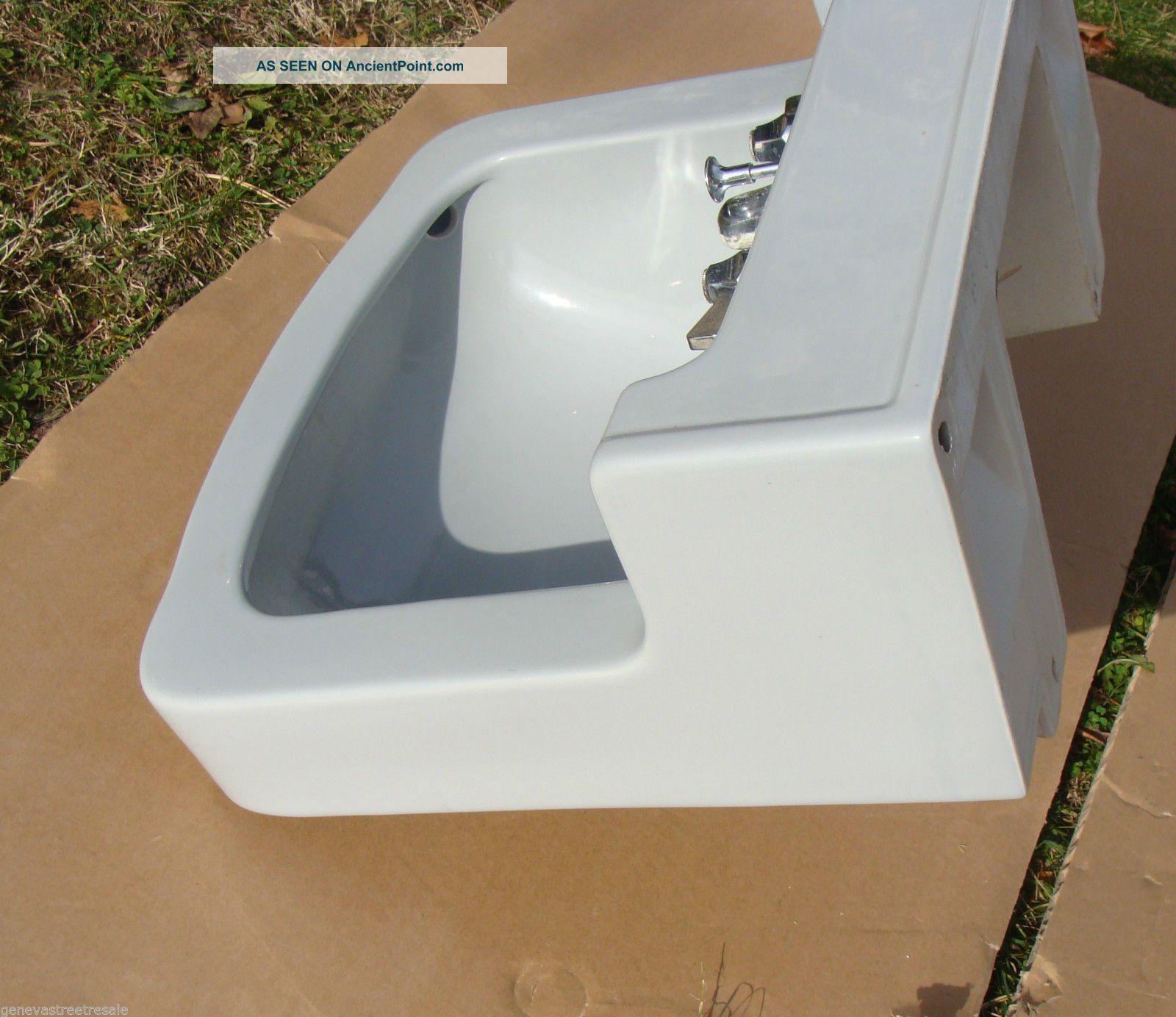 Vintage Briggs Bathroom Kitchen Light Gray Porcelain Sink W/fixtures ...