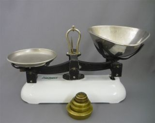 Antique Avery Enamelled Cast Iron 2 Pound Balance Scale C/w Counter Weights photo