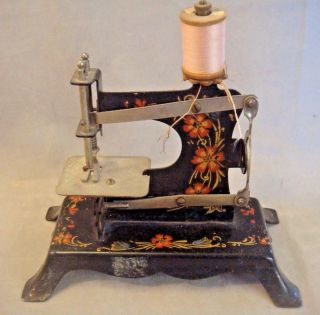 Vintage Child ' S Sewing Machine Marked