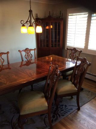Thomasville 18th Century Dining Room Table With 6 Chairs photo