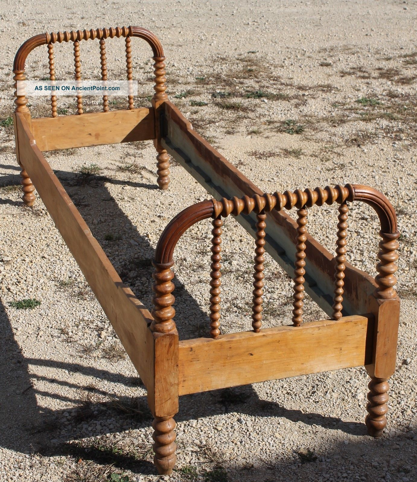 Antique Maple Jenny Lind Day Bed,  Hired Man,  24