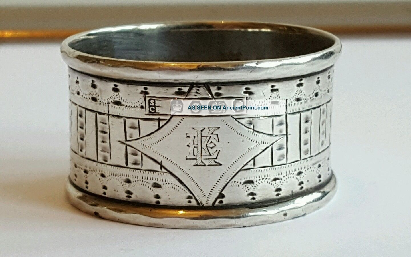 A Very Stylish Victorian Solid Silver Napkin Ring Sheffield 1870 Napkin Rings & Clips photo