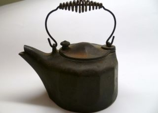 Antique Griswold No.  0 Tea Pot 576 Colonial Design,  Erie Pa photo