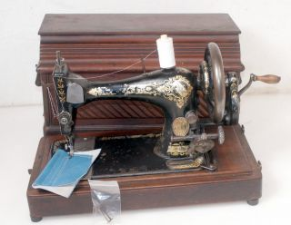 1901 Singer 28 (k) Antique Hand Crank Sewing Machine 128 27 127 photo