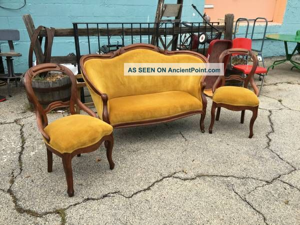 3 Piece Gold Velvet Victorian Settee & 2 Side Chairs 1800-1899 photo