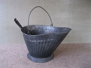 Antique Coal Scuttle Hod Bucket Primitive 17 Metal,  Ash Shovel,  Bail Handle,  Cm photo