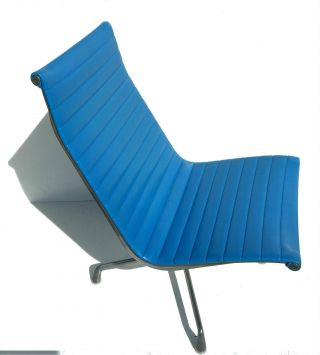 Mid Century Modern Vintage Eames Herman Miller Aluminum Group Chair Blue Retro photo