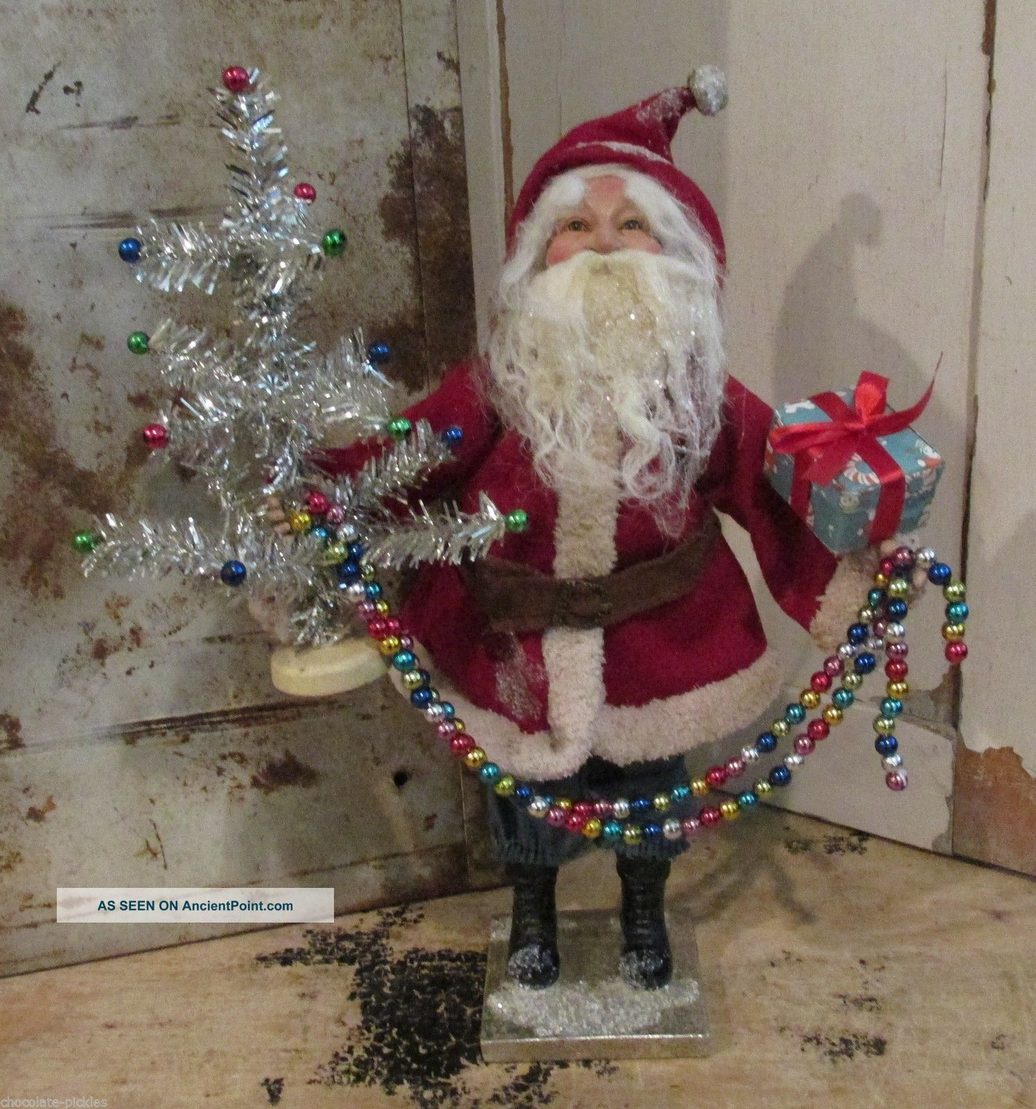 Santa Claus Statue Tinsel Christmas Tree Red Suit Vintage