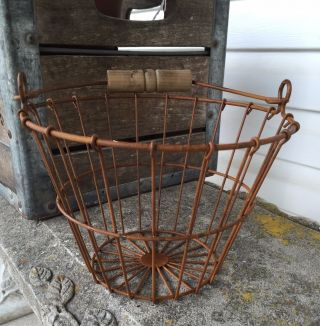 Small Primitive Rusty Wire Egg Basket Wood Handle Farmhouse Decor photo