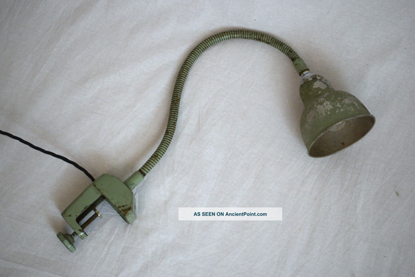 Vintage 1920s Gooseneck Clamp - On Industrial Adjustable Patina Desk Light Lamp 20th Century photo