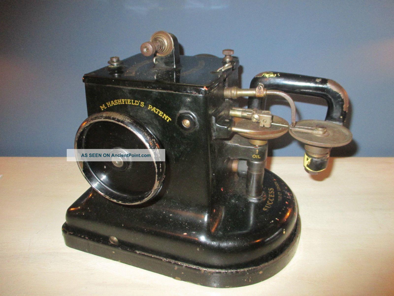 Vintage Allbook Hashfield Success Fur Industrial Sewing Machine Sewing Machines photo