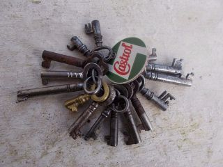 15 Small Antique Iron Brass & Steel Keys For Cabinets Boxes Coffers Locks photo