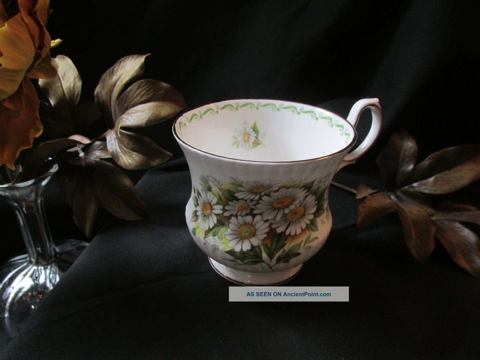 Queens Rosina Tea Cup October Daisy Pattern Teacup Special Flowers Cups & Saucers photo