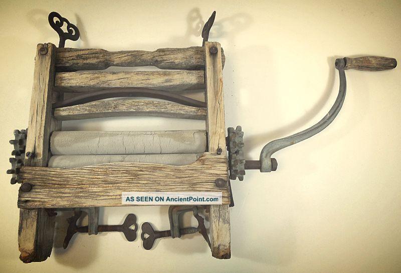 Antique Primitive Hand Crank Clothes Laundry Wringer - Wood / Metal - Decor Clothing Wringers photo