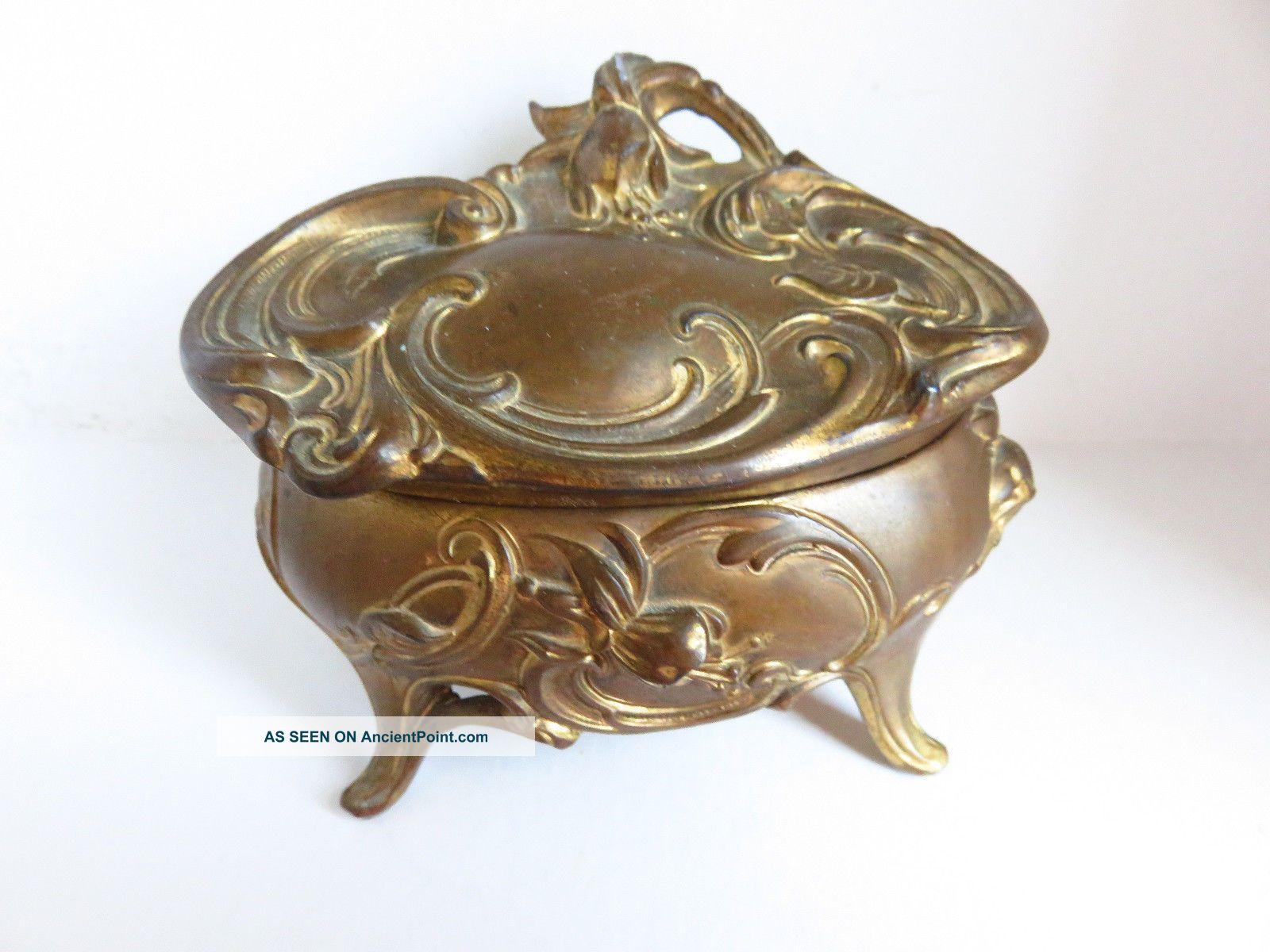 Vintage Wb Mfg Co.  Ornate Oval Metal Jewelry Trinket Casket Box Art Nouveau photo