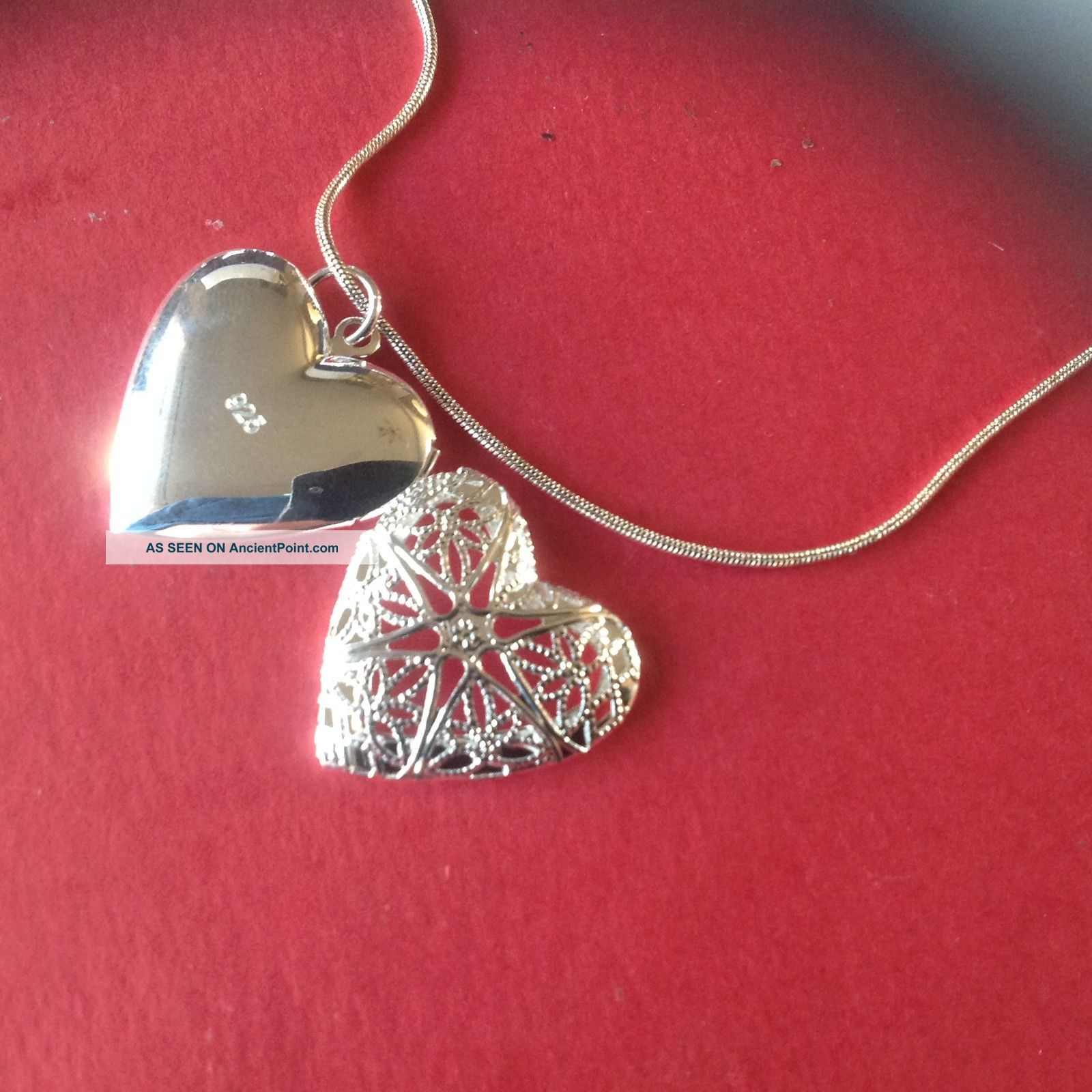 A Really Lovely ' Heart - Shaped ' 925 Silver Locket Necklace ' Beach Find British photo