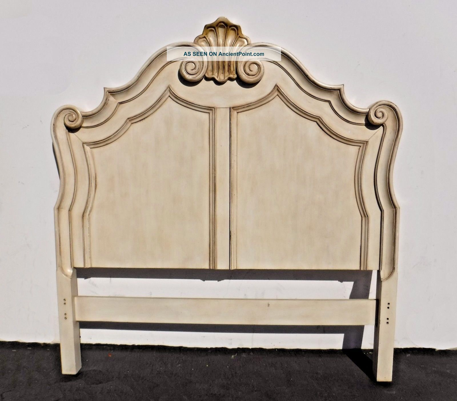 French Provincial Style Off - White Wood Queen Size Headboard Post-1950 photo
