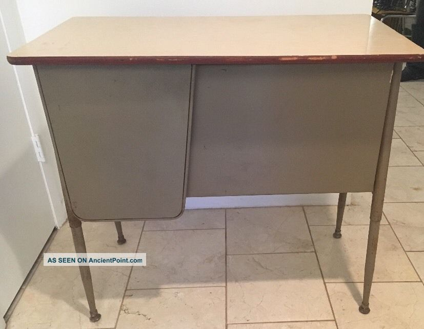 Teacher ' S School Desk Industrial Vintage Metal - Mid Century - Atomic - Retro Post-1950 photo