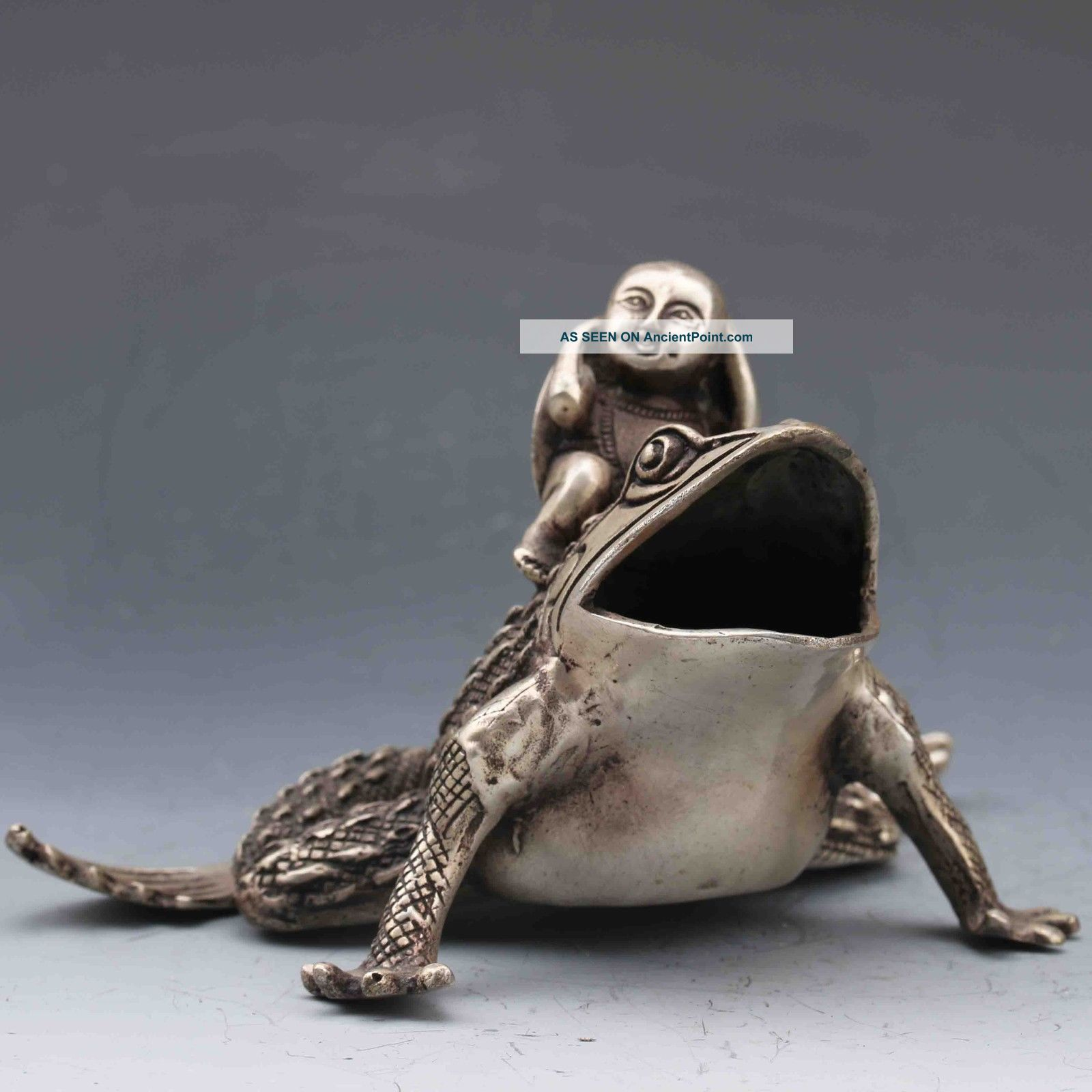 Tibeten Silver Handwork Carved Kid&toad Statue G654 Other Antique Chinese Statues photo