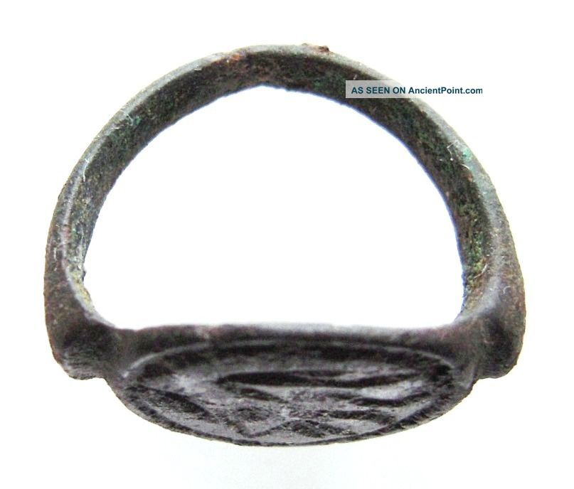 Roman Bronze Military Ring With A Fish.  Ref.  9955. Roman photo