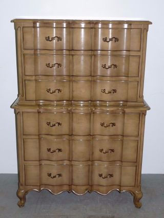 Vtg Union National Tall Dresser Scalloped Front Facade French Provincial 100602 photo