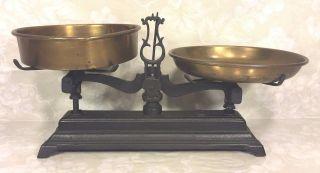 Antique Cast Iron Scale 3 Kg W/ Brass Pans photo