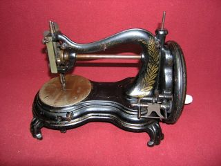 Late 1880 ' S Jones Serpentine Cat Back Swan Neck Hand Crank Sewing Machine 85036 photo