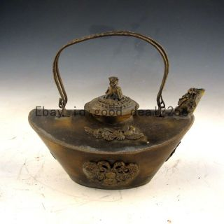 Chinese Collectible Handwork Old Copper Carving Dragon Teapot W Brave Troops Lid photo