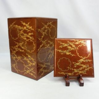 E491: Japanese Old Tier Of Lacquered Boxes Jubako With Good Makie And Nashiji photo