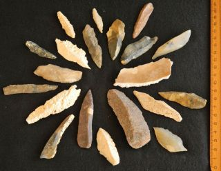 Saharian Upper Paleolithic 20 Flint Armatures,  Burins,  Knives photo