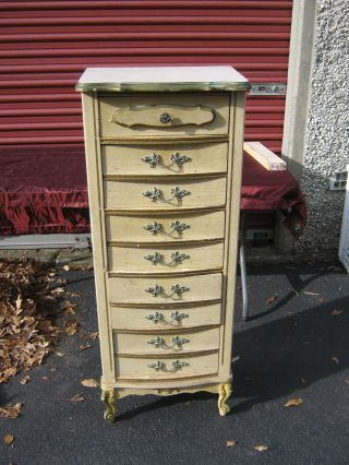 Vintage Antique 5 - Drawer Dresser.  Unsure Of Particulars (see Pix) Local Pickup photo