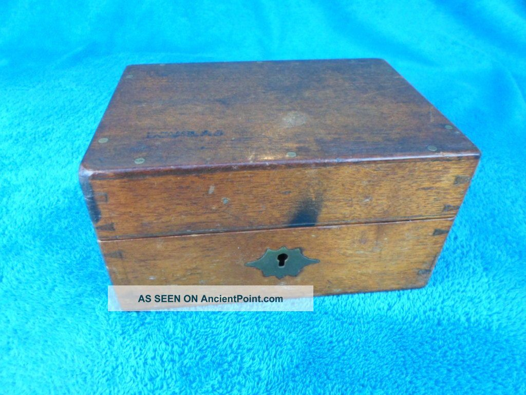 Edwardian Oak Dovetailed Box. Edwardian (1901-1910) photo
