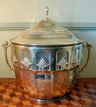 Art Nouveau Secessionist Hand Beaten Lidded Brass Coal Scuttle Jugendstil Signed photo