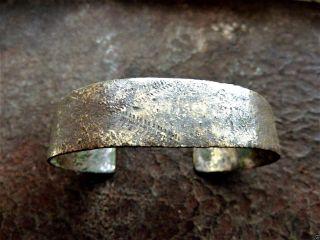 Ancient Bronze Bracelet (k677). photo