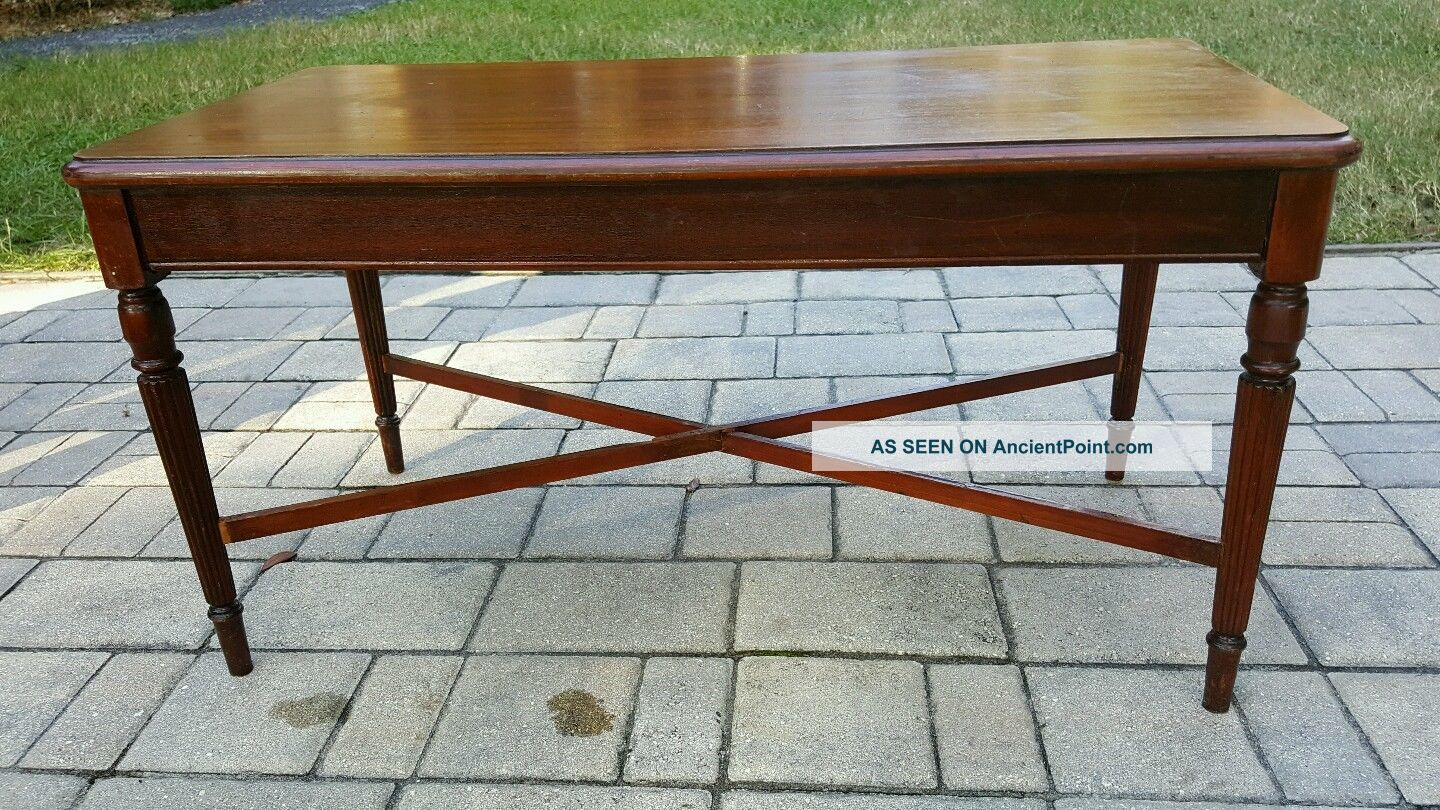 Antique Sheraton Tea Coffee Table Fire Mahogany.  Reeded Tapered. Unknown photo