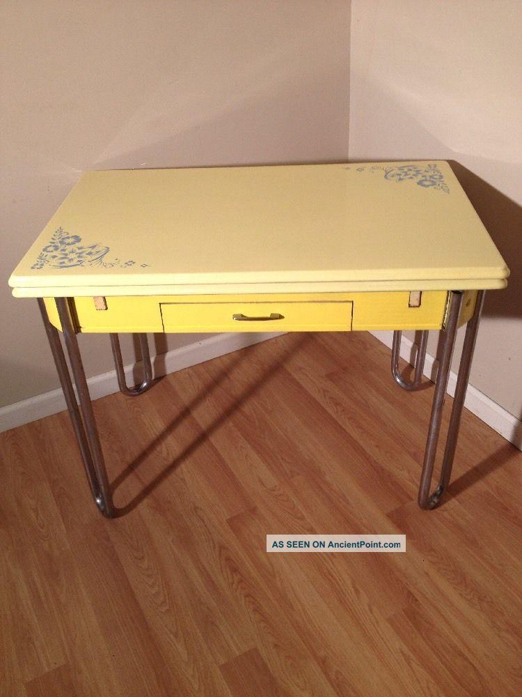 30 ' S Vintage Yellow Enamel Top Table - Retro Kitchen Expansion Table W Drawer 1900-1950 photo