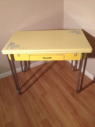 30 ' S Vintage Yellow Enamel Top Table - Retro Kitchen Expansion Table W Drawer photo