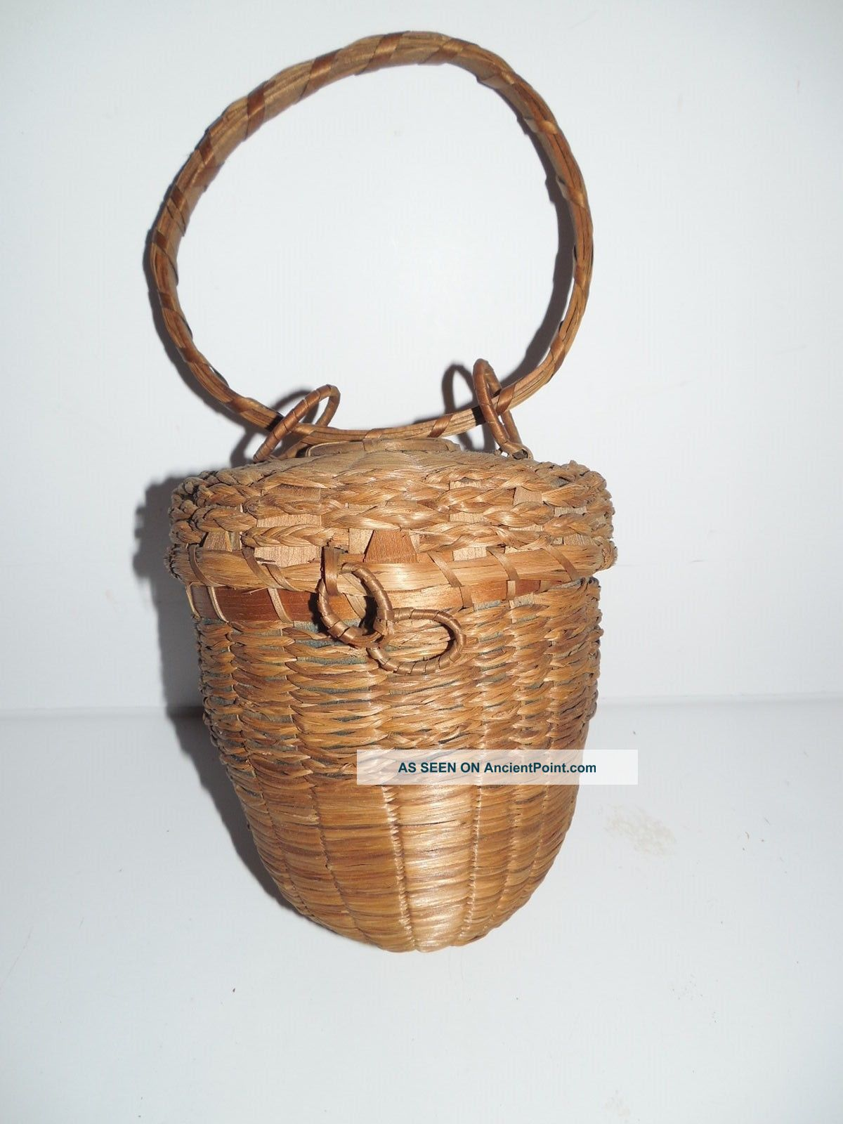 Vintage England / Maine Native American Passamaquoddy Acorn Knitting Basket Native American photo