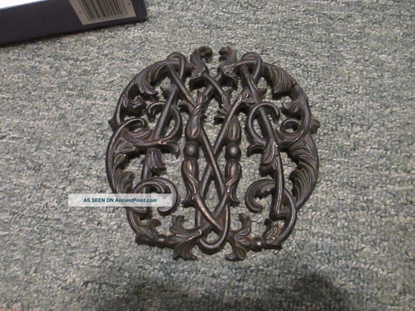 Vtg Black Cast Iron? Colonial Wmsburg Cypher Trivet Grate Cw10 - 14 1950 On Legs Trivets photo