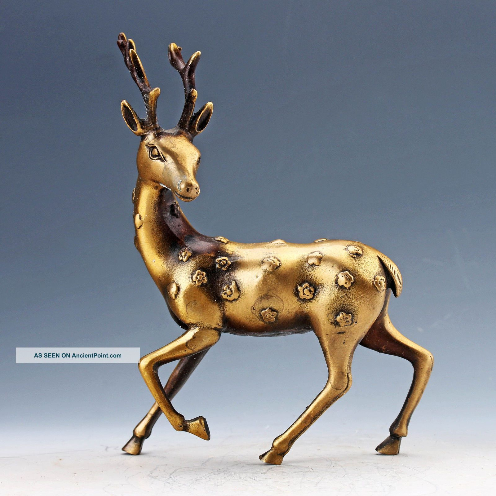 Chinese Collectable Brass Hand Carved Deer Statues Buddha photo