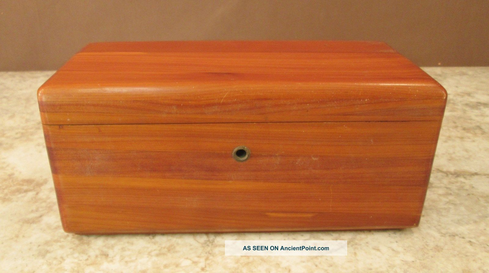 Vtg Mini ' Lane ' Cedar Chest Salesman Sampler ' Brins ' Furniture Store Ft Dodge Ia 1900-1950 photo