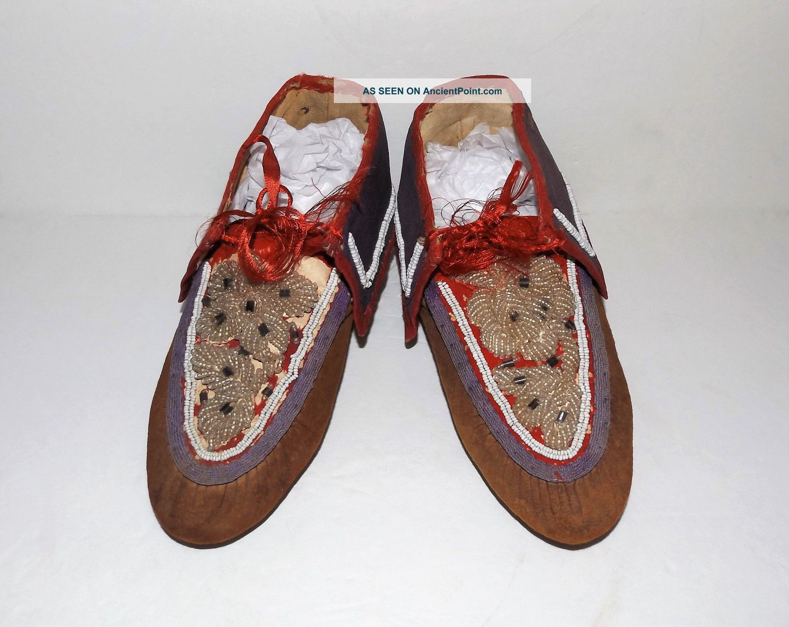 Antique Native American Indian Beaded Leather Vtg Iroquois Moccasins Native American photo