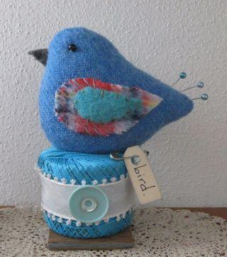 Primitive Wool Bird Vintage Thread Make Do Pin Cushion Pfatt photo