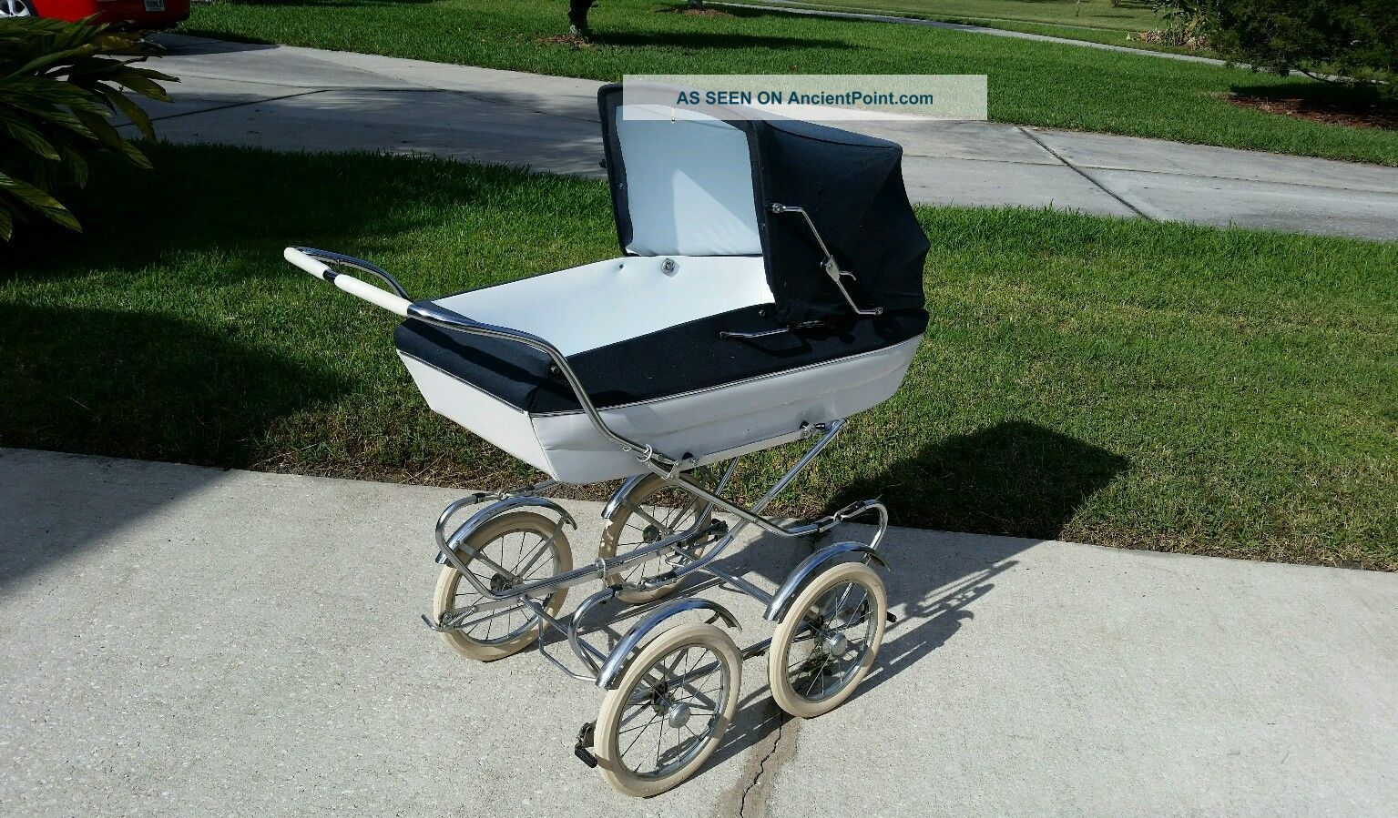 Vintage Peg Perego Pram Stroller Carriage Baby Buggy - Condit.  Antique Baby Carriages & Buggies photo