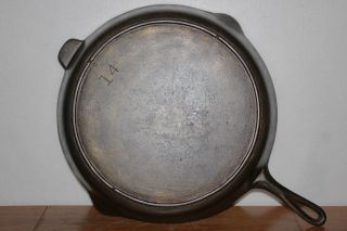 Vintage Lodge No.  14 Cast Iron Skillet 3 Notch Heat Ring Cleaned & Seasoned photo